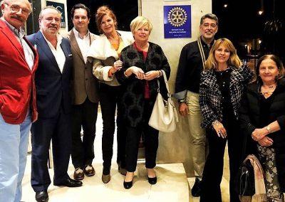 Foto RCM Alcazaba frente a placa del Hotel AC Marriott Malaga Palacio 2